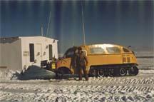 Gibbins ice fishing on lake of the woods baudette minnesota for Lake of the woods ice fishing sleepers